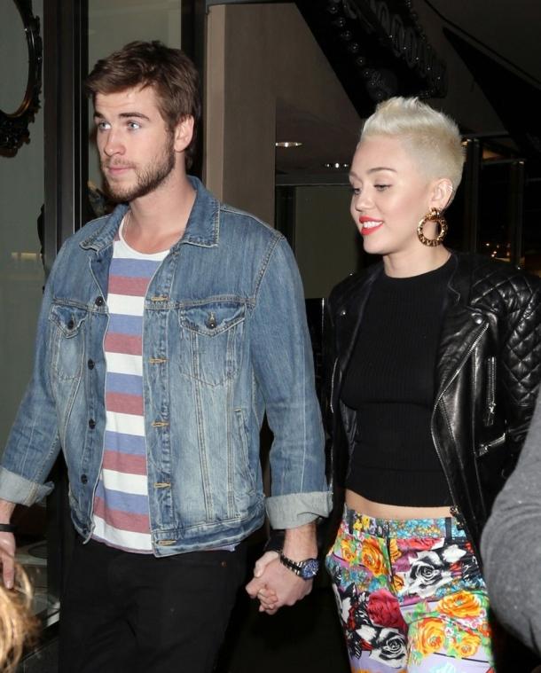 Новости со всего света - Страница 3 Miley-cyrus-liam-hemsworth