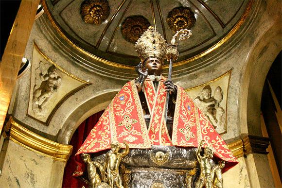 MEDALLA CALADA SAN FERMÍN  PLATA (R.M. PFV Fermín 1) San_fermin_capilla_san_lorenzo