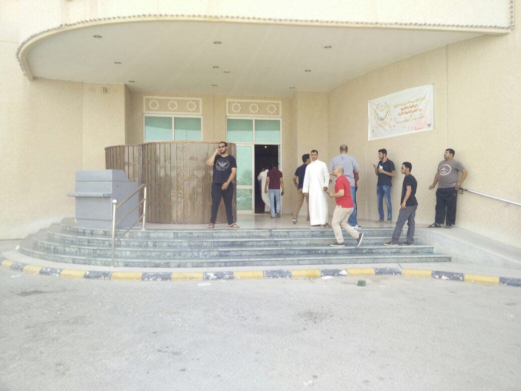 السعودية.. عملية انتحارية في مسجد بالقطيف تقتل 21 شخصا 139b746c-3b7f-4f72-8ed0-84c21c2a9369