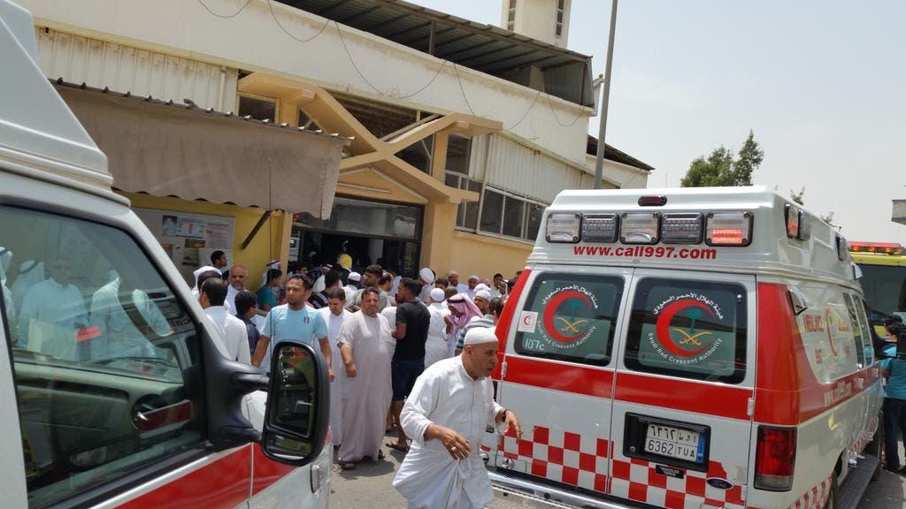 السعودية.. عملية انتحارية في مسجد بالقطيف تقتل 21 شخصا 1f147444-fa74-4a70-bdd4-d2a6cbc5af0f