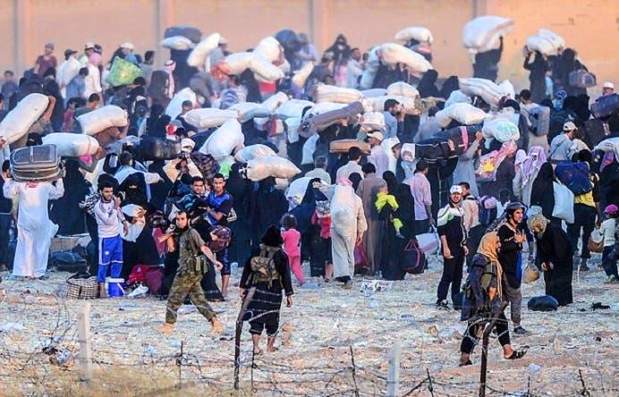 صور عن جحيم الفرار الجماعي من #تل_أبيض السورية E77757bf-d41d-4a90-a4d5-608e1805d8aa