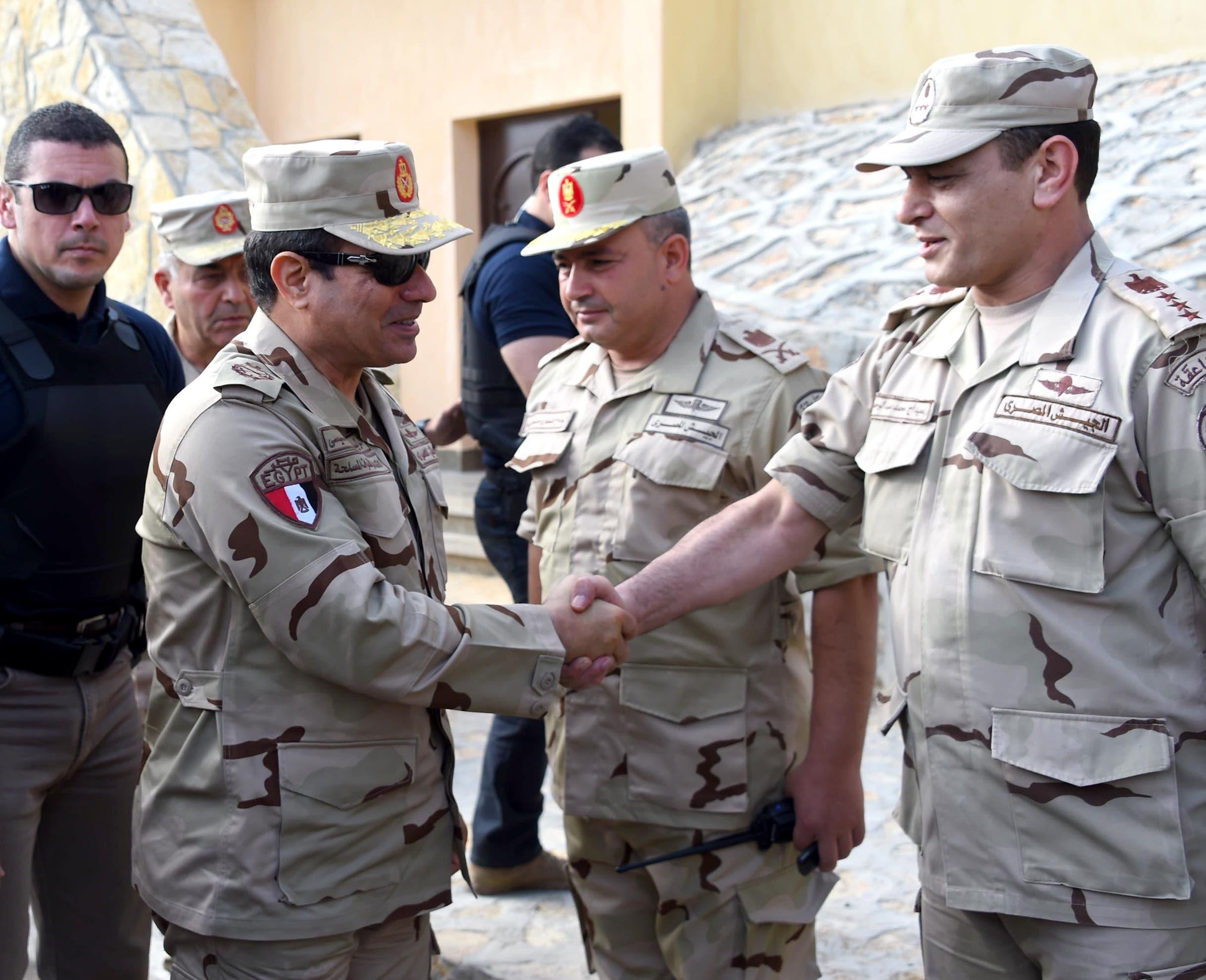 السيسي بالزي العسكري في شمال سيناء بعد الهجمات 1ba771a6-3dd5-4873-984f-cce2258d6867