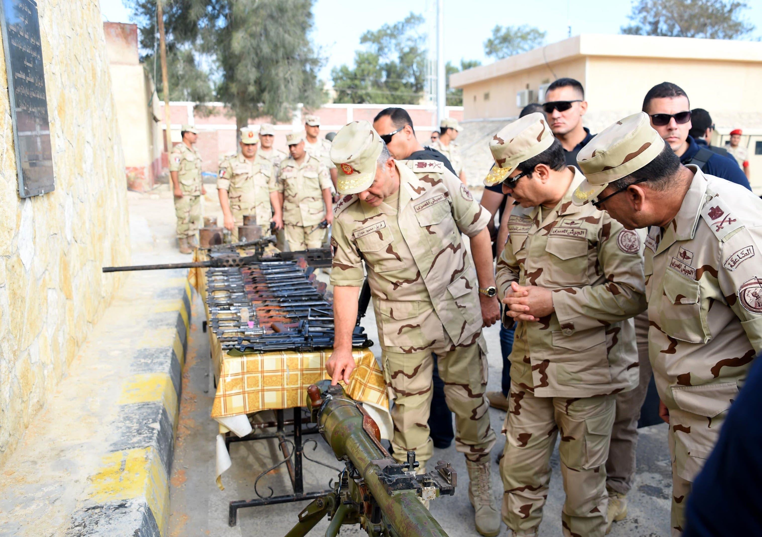 السيسي بالزي العسكري في شمال سيناء بعد الهجمات E2a5df95-3b7f-4108-8eb7-be5afb338ac2