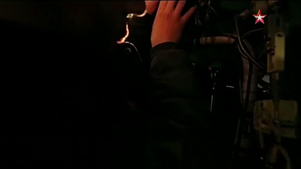 Khám phá • Đột nhập buồng lái tiêm kích Su-34 của Nga: tự nhiên như ở nhà • http://i.imgur.com/8yJtMyU.jpg • Nhờ những tiện nghi này, phi công Su-34 không bị mệt mỏi dù phải thực hiện nhiệm vụ... My-video-2-1465732676016-8371a