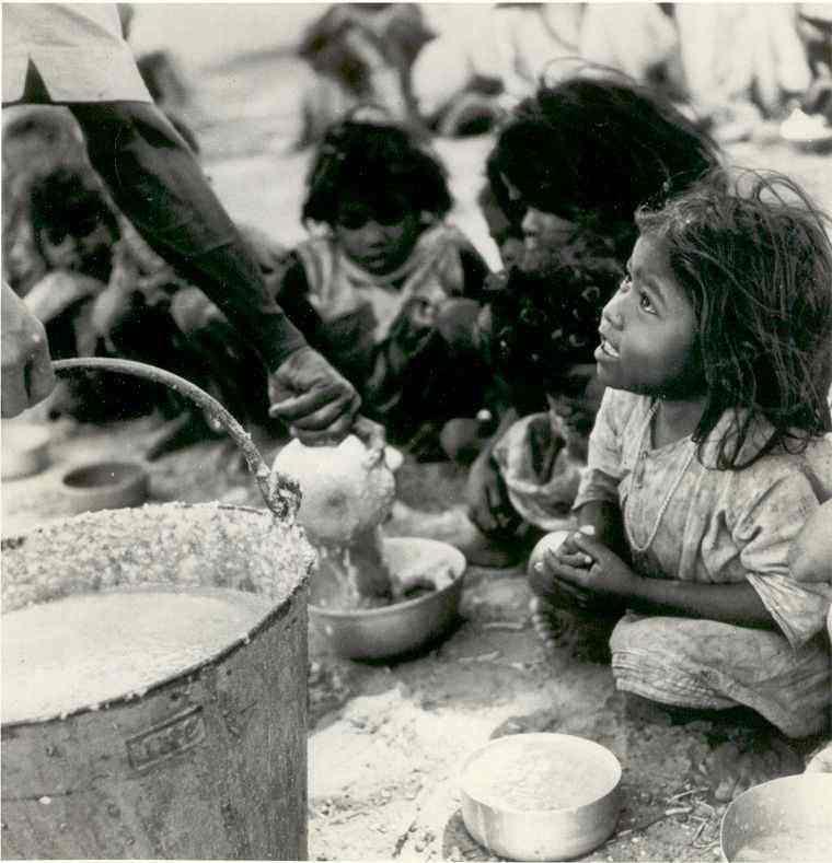 EL ERROR NO ES EL FRACASO; EL FRACASO ES NO CORREGIR EL ERROR. Pobreza