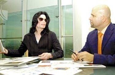 Fotos Raras Encontradas Por Mim na Net - Página 21 Mj-in-negotiations-with-a-bahrein-based-company