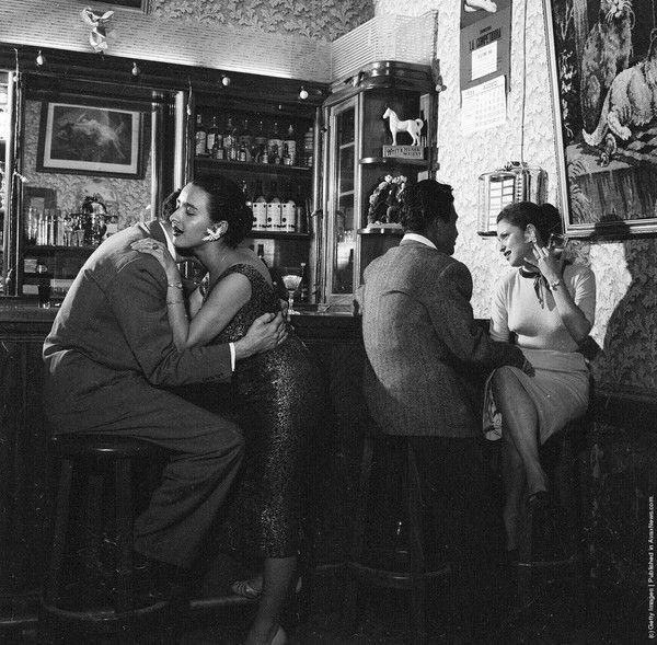 Bars, restaurants ... B89f4e23