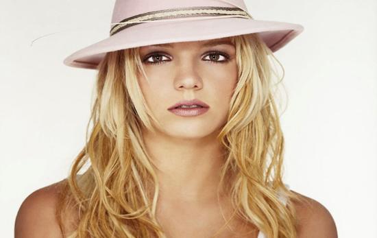 Britney Spears, ne Evrope per albumin e ri 1227587314-Britny--