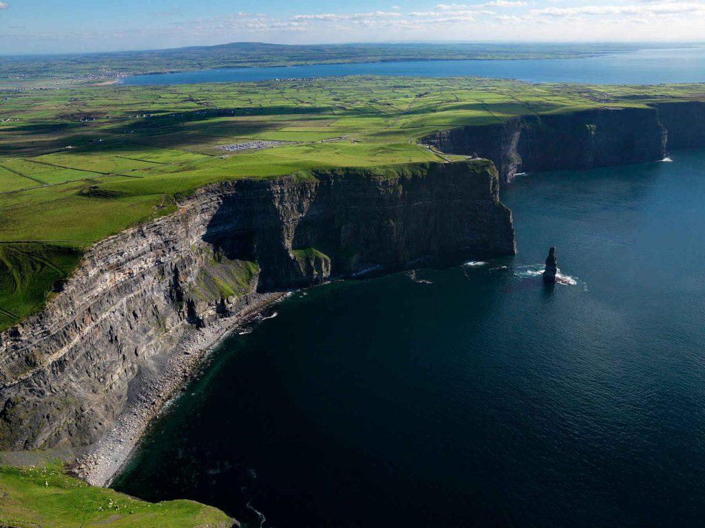 Los acantilados más espectaculares del planeta  Cliffs-1024x768
