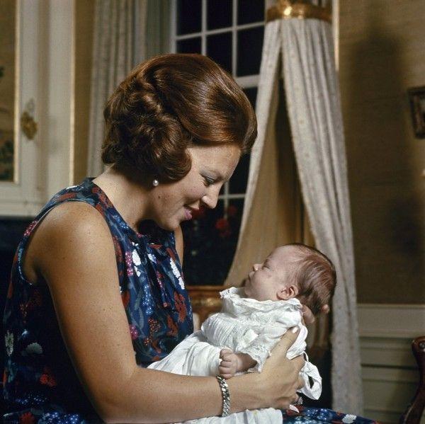 La reina Beatrix y su familia - Página 2 15f6a51b
