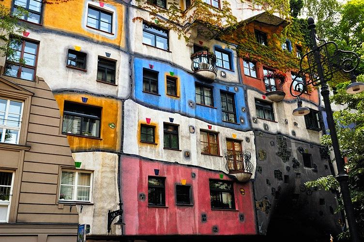 Najlepše Evropske destinacije Hundertwasserhaus64