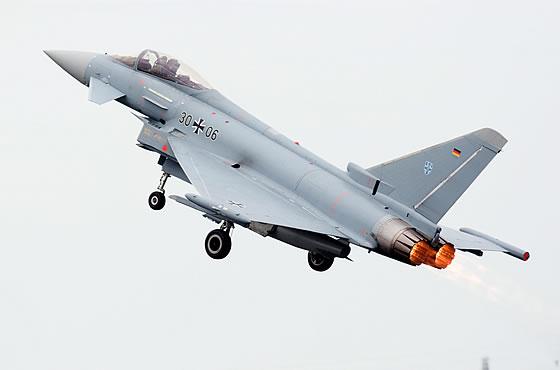 المقاتله الأوروبيه Typhoon , تعرض على إندونيسيا  Ef-2000_german
