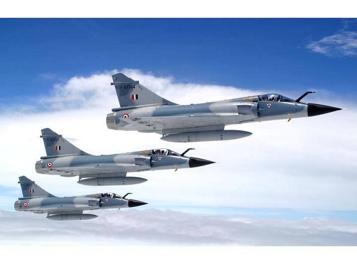 الصين تعرض مقاتلات FC-1 على كل من الارجنتين وافغانستان  Mirage_2000_india