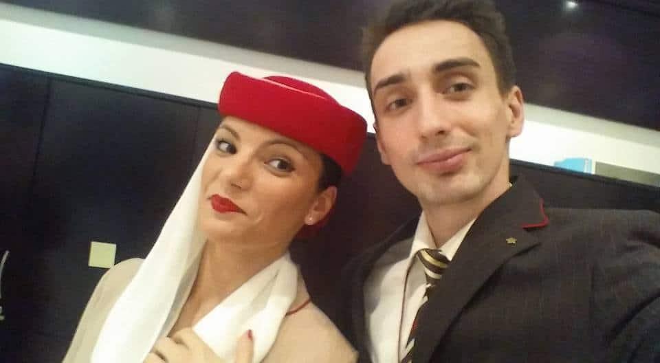 CE PRESUPUN CURSURILE DE PREGĂTIRE PENTRU VIITORI ÎNSOȚITORI DE BORD? Insotitor-de-bord-emirates