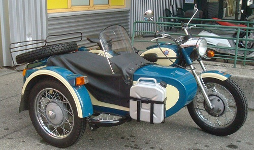 motos russes! Moto-russes-Dniepr-moto-side-car-joli-jerican-moto-Dniepr-URSS