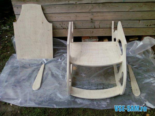 Кресло-качалка из фанеры, подкатной столик. 1289397609_6