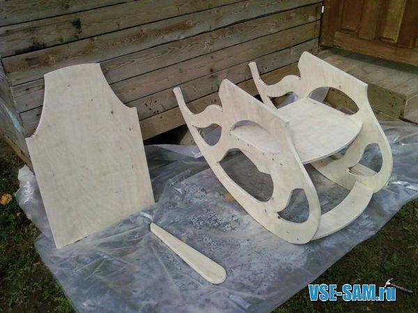 Кресло-качалка из фанеры, подкатной столик. 1289397621_7