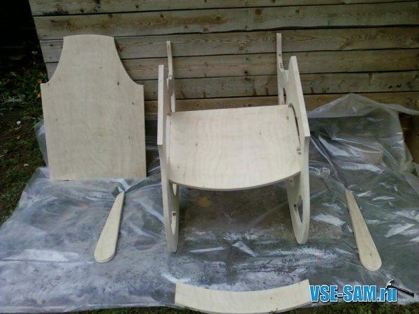 Кресло-качалка из фанеры, подкатной столик. 1289397626_4