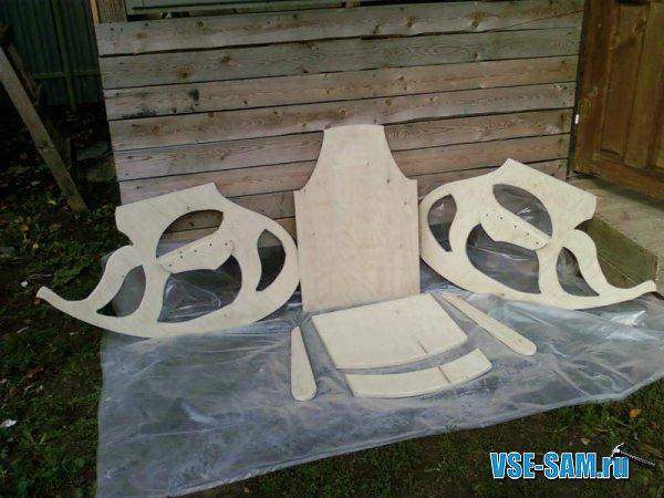 Кресло-качалка из фанеры, подкатной столик. 1289397658_3