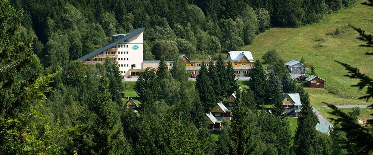Jarný zraz V-Strom clubu 2017 Hotel-Royal-polana