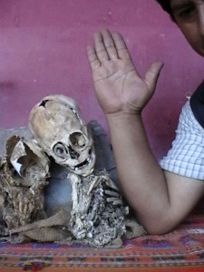 Beyond Paracas: Humanoid Remains Found in Cusco, Peru Beyond-Paracas-Humanoid-Remains-Cusco-Peru-2-225x300