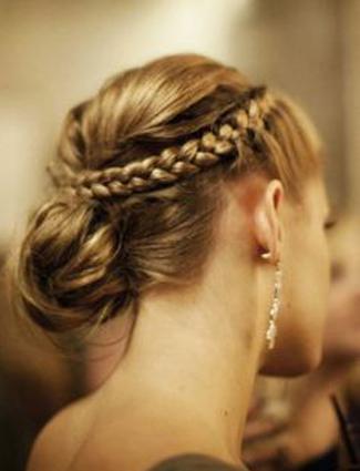 Lepota ženske kose - Page 8 Bun-braid-1