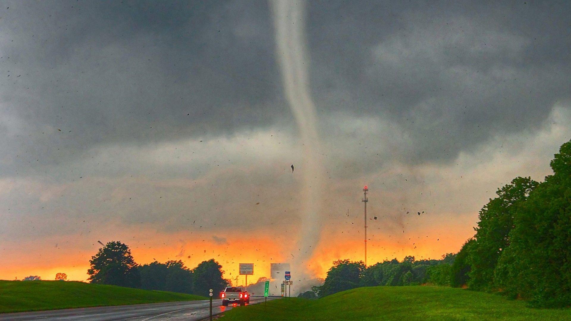 Tornado SDeTgSQ