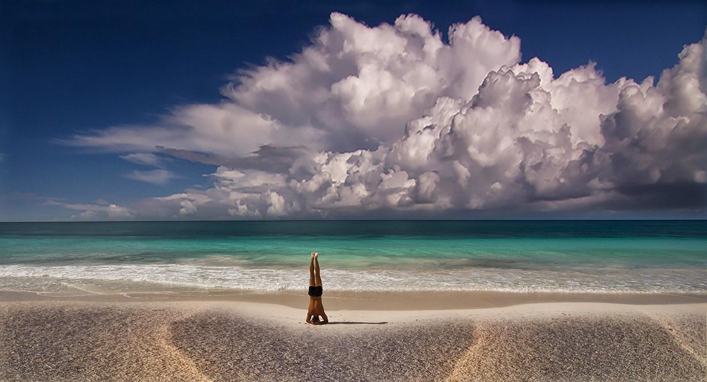 Bienvenidos al nuevo foro de apoyo a Noe #349 / 29.04.17 ~ 09.05.17 - Página 6 327554-men-landscape-nature-yoga-beach-sand-sea-clouds-horizon-summer-meditation-Mexico
