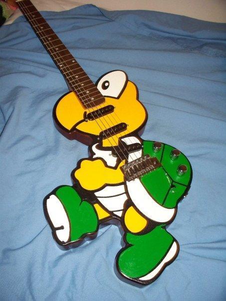 L'univers des Geeks - Page 4 Koopa-troopa-guitar-mod-design