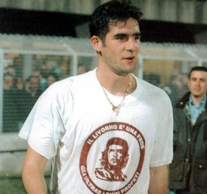 Lucarelli: Goleador comunista. Aa5-300x281