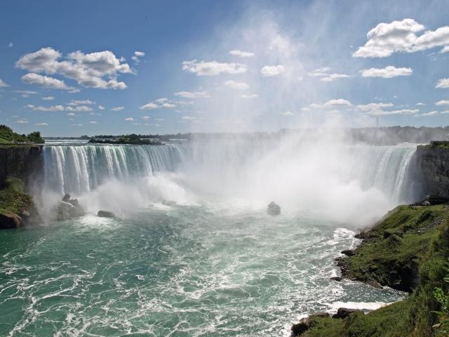 Vodopadi Niagara-Falls-001