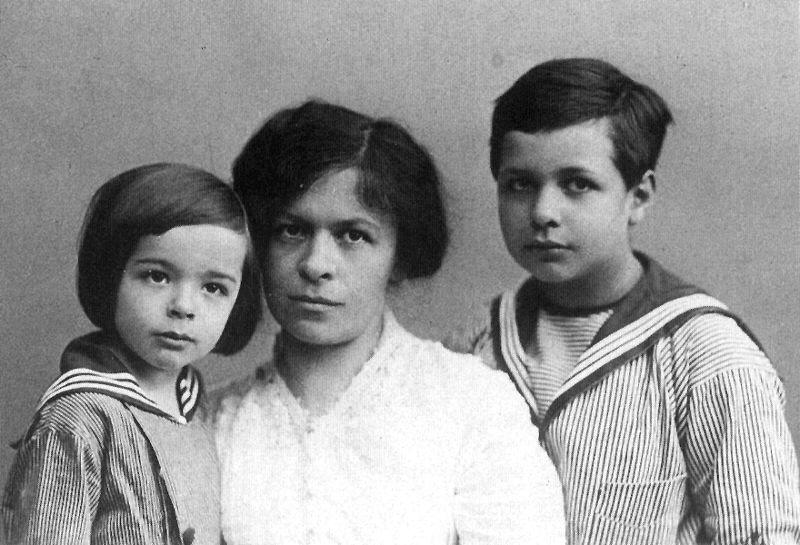 Mileva Marić-Ajnštajn Mileva6sa-sinovima