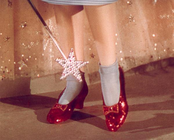 Nezaboravni modni trenuci u istoriji filma The-ruby-slippers