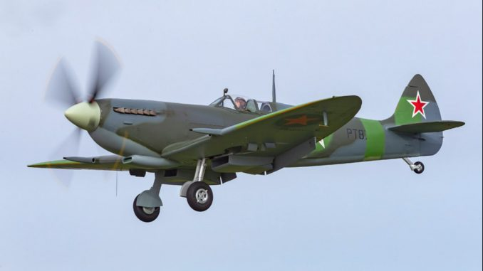 Premiers vols du Spitfire «russe» après restauration, unique au monde  Supermarine-Spitfire-Mk.IX-PT879-678x381