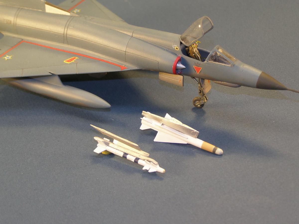 Mirage III E 1/32 revell - Page 6 Matra_r-530_magic_2