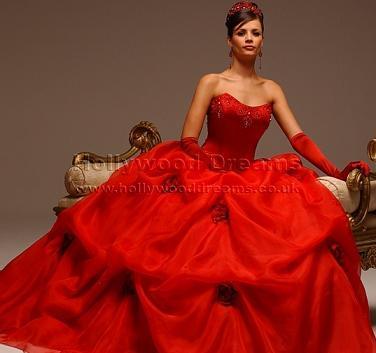 لعشاق اللون الأحمر Red-dress