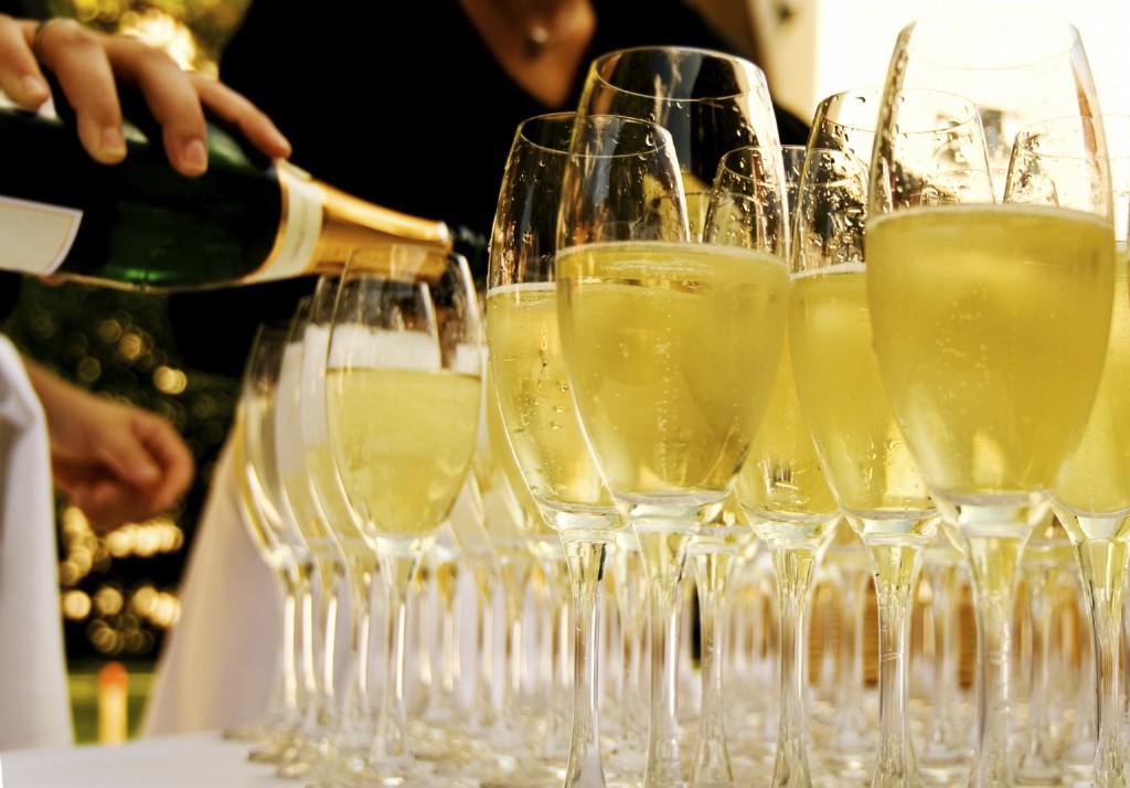 Маленький столик за углом - Том VI - Страница 3 Wedding-wine-photo-1024x714