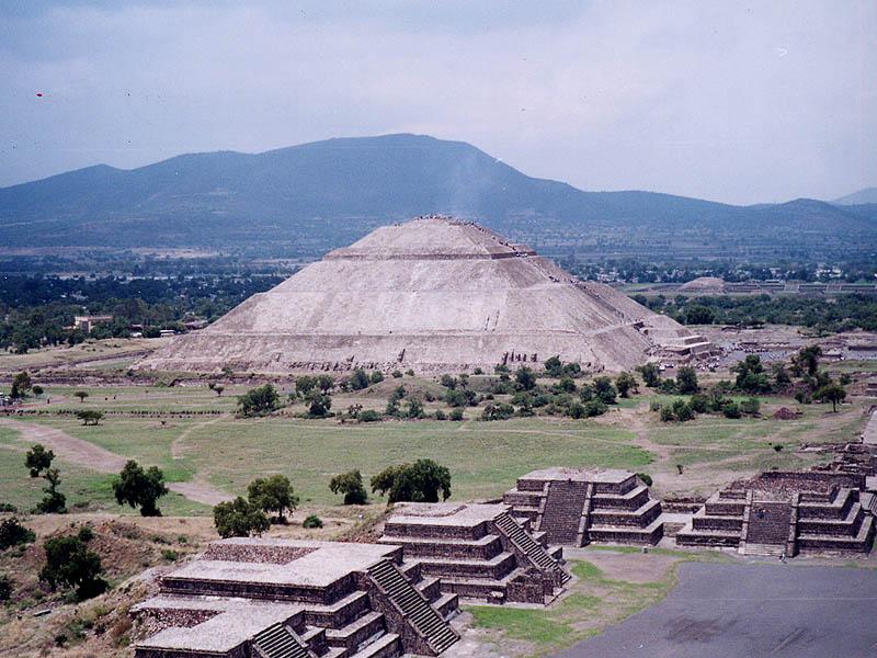 Meksiko - Page 5 Pyramid-sun2