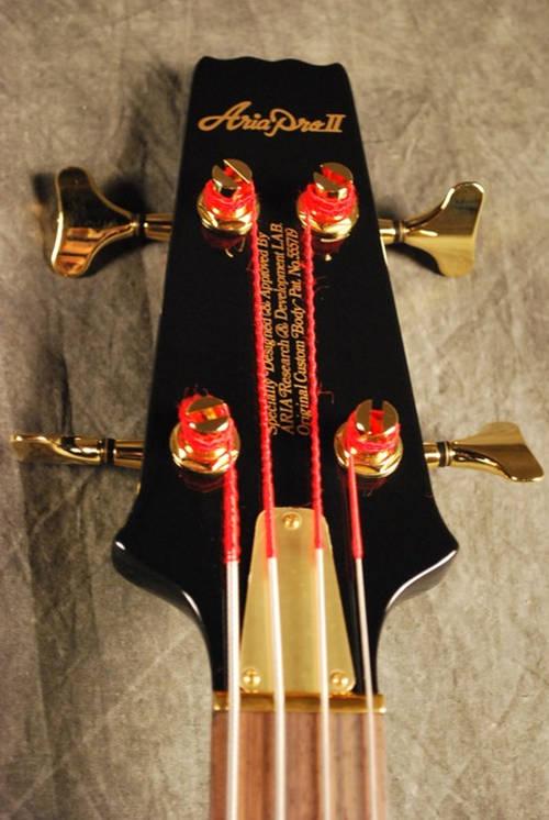 Cliff Burton Signature Bass 1358481938_cliffburtonbass_03
