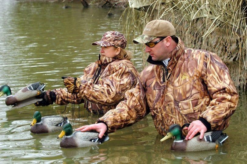 Lov na slikama i videu - Page 3 Choose-your-Waterfowl-Hunting-Gear-1-810x538