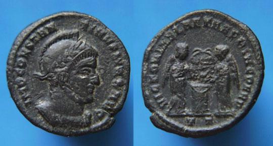 AE3 de Constantino I. VICTORIAE LAETAE PRINC PERP. Ticino _ticinum_RIC_vII_082.1
