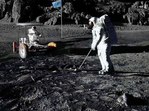 """Projet de cité spatiale """"Apogeios"""" Lunar-golf-247661"""