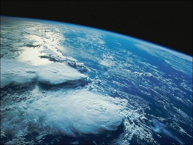 Svemir! 5000-zdjec-Polakow-polecialo-w-kosmos