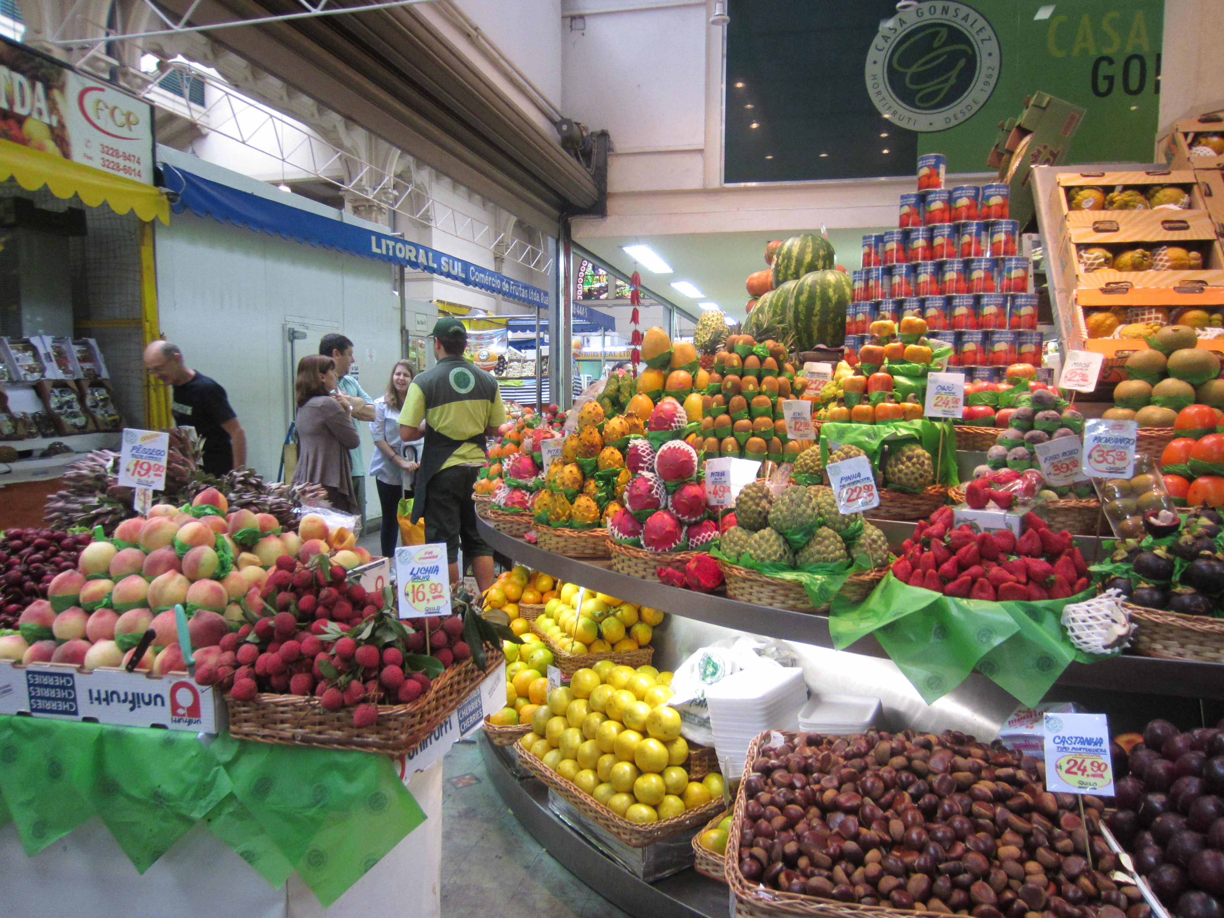 Argentina - Page 6 Market_fruit1