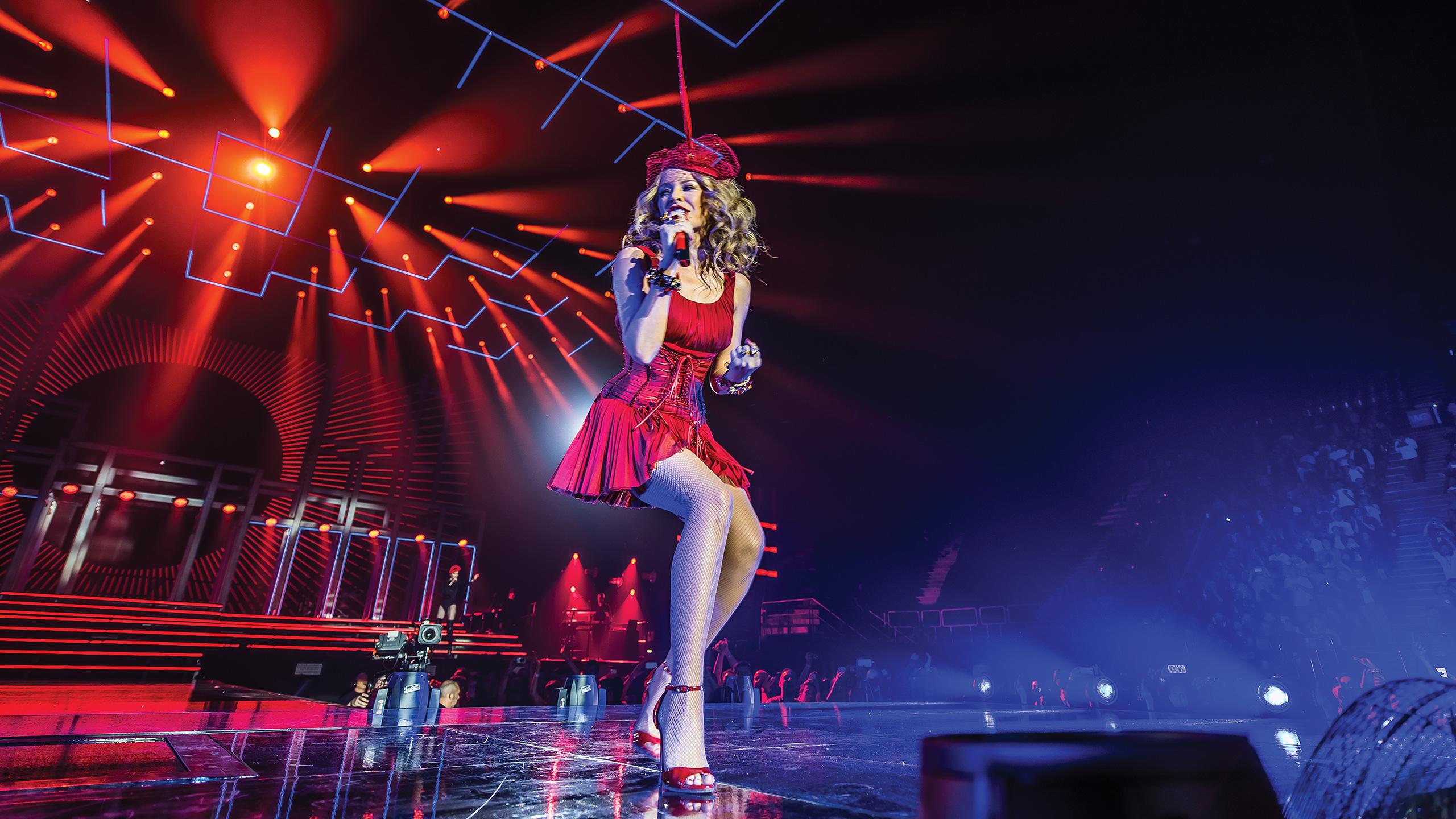 "Gira >>> ""Kiss Me Once Tour"" - Página 16 Kylie-wp1-2560x1440"