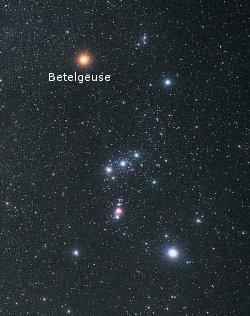 Lens 300mm 4K: Returns UFO Flashing Light Near Betelgeuse Betelgeuse