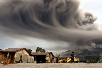 Seven Volcanoes In Six Different Countries All Start Erupting Within Hours Of Each Other Dn24602-1_1200-1