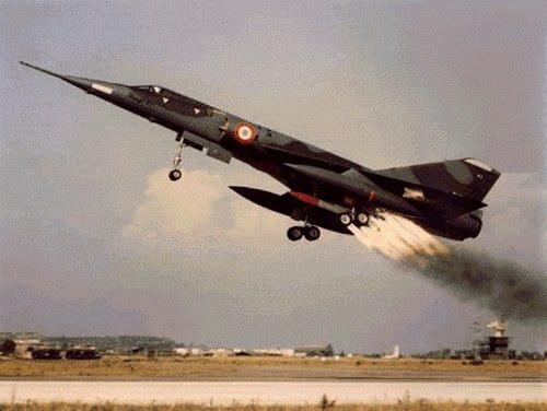 L'OVNI de Landrecies, en 2006, a été officiellement qualifié de... Mirage Mirage4_02