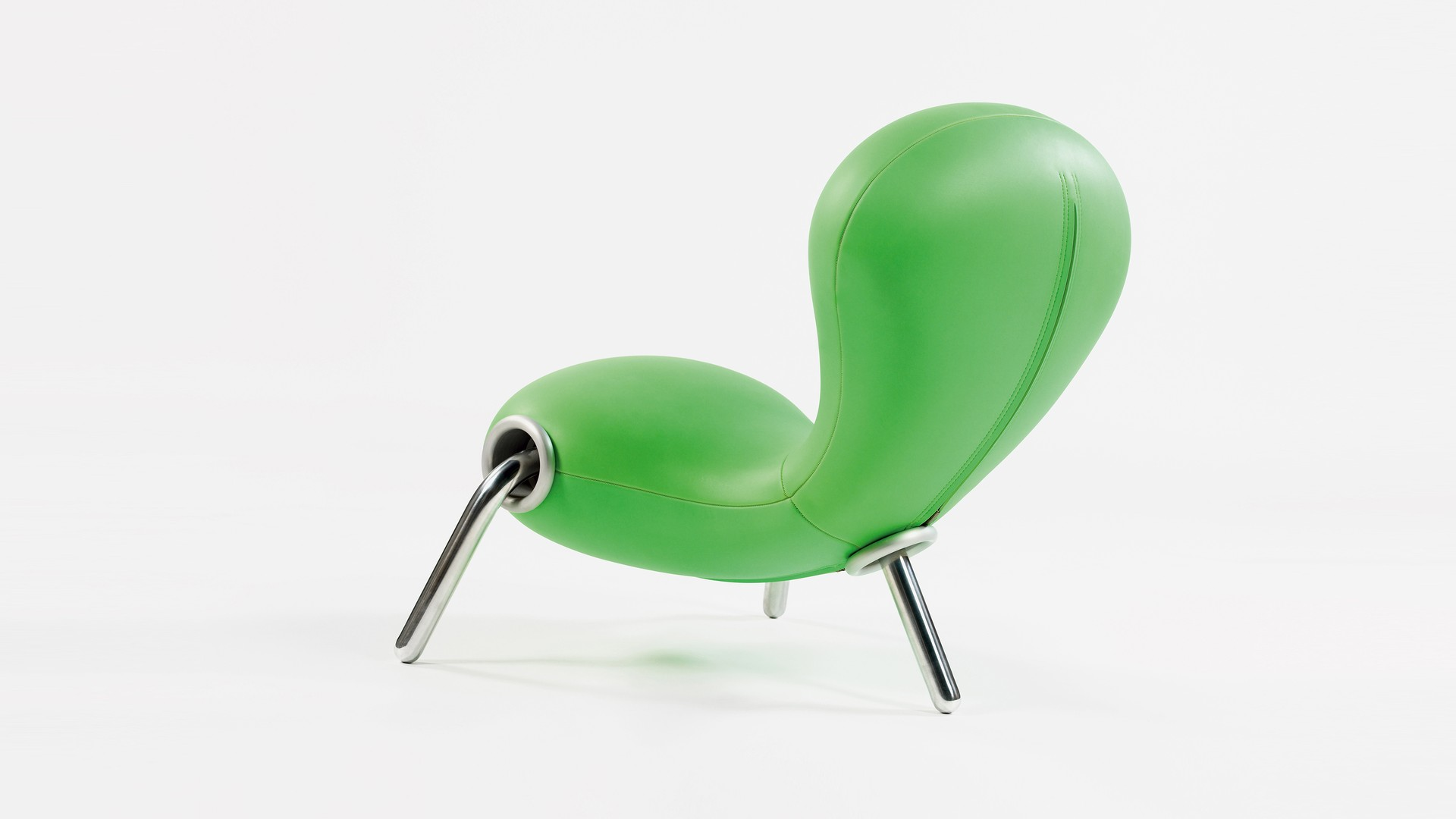"Marc Newson and the ""Pod"" article Marc-Newson-Embryo-Chair"
