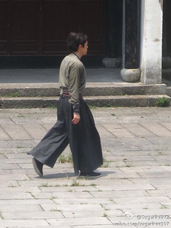 [Thông Tin Phim] Hiên Viên Kiếm - Thiên Chi Ngân - Hồ Ca[2012] - Page 2 4e042337jw1djkptv8qi9j